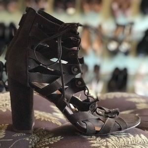 🆕 Shoe Dazzle army green gladiator lace up heels
